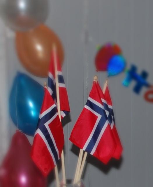 hurra-flagg-og-ballonger-2